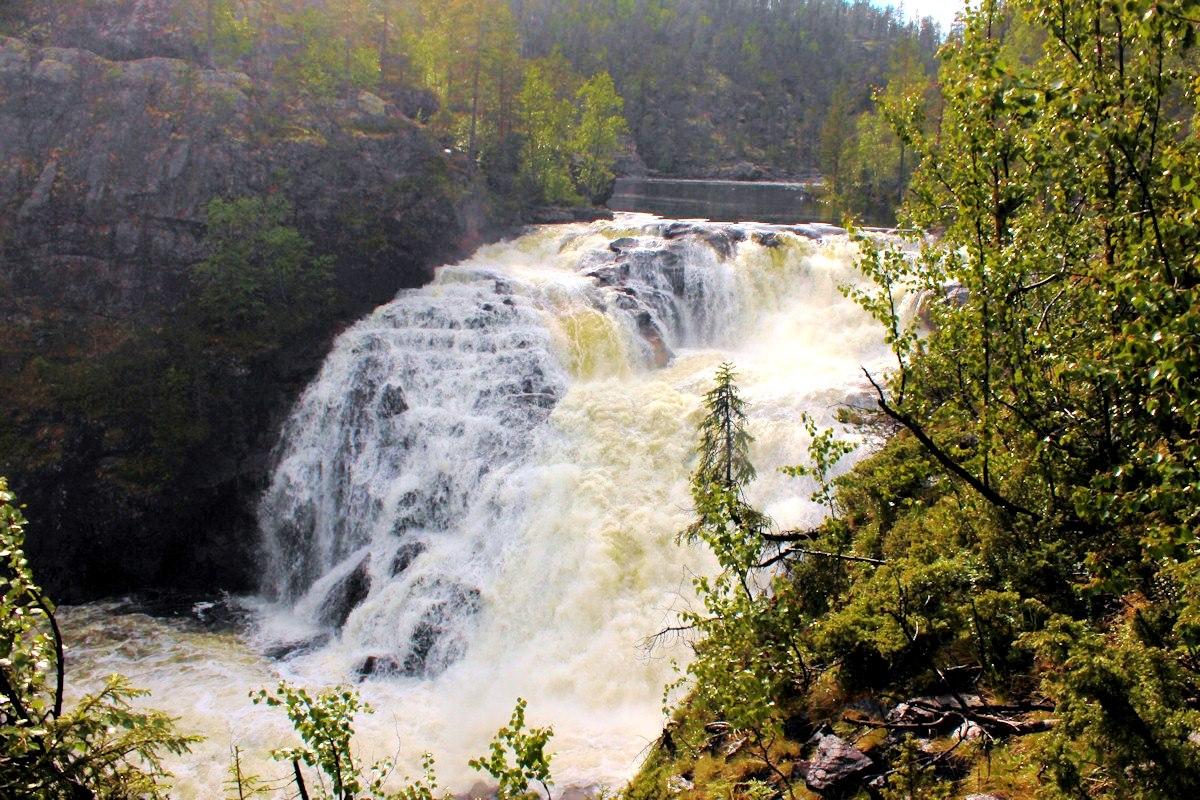Водопад «Большой Янискенгас»